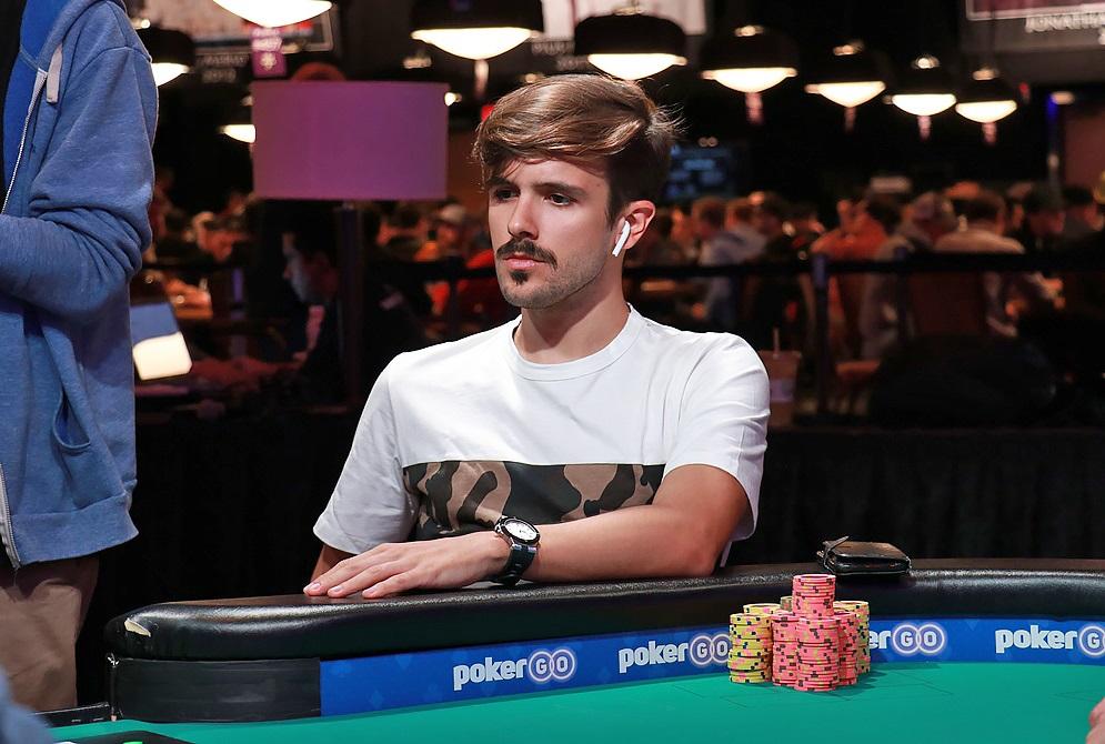 Yuri Martins na mesa final do Evento #51 da WSOP
