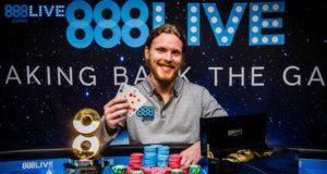 Tom Hall campeão do 888Live Londres