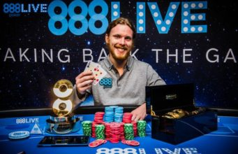 Tom Hall campeão do 888Live Londres