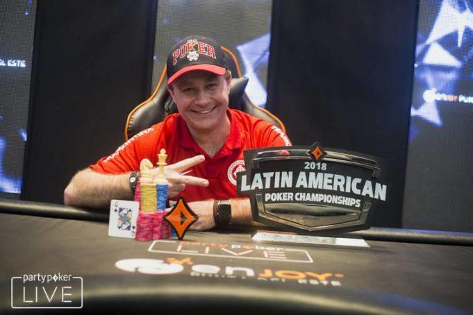 Amauri Grutka campeão do Main Event do LAPC Uruguai