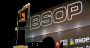 Troféu de campeão do Main Event do BSOP Natal
