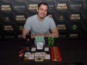 Anton Morgenstern campeão do AU$ 25.000 Pot-Limit Omaha do Aussie Millions