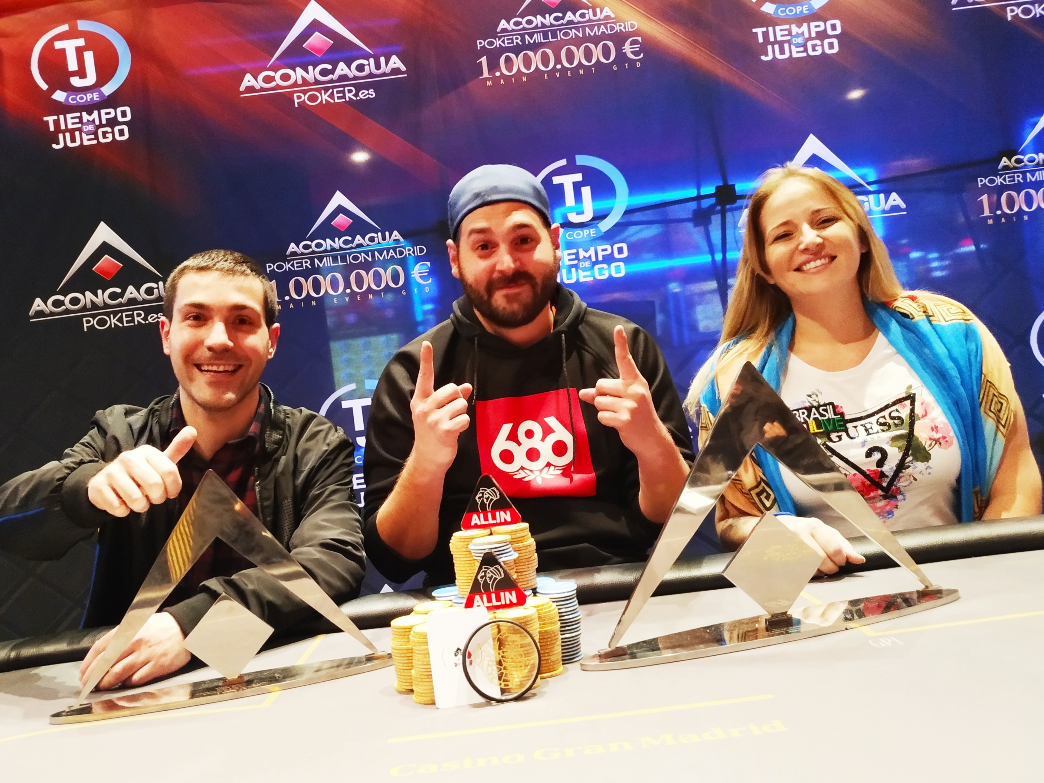 Pódio do Main Event do Aconcagua Million Madrid