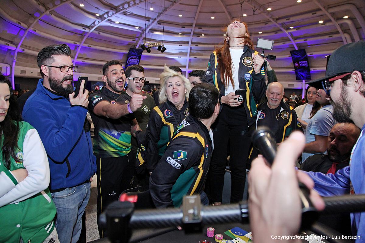Comemoração do título da Seleção Goiana de Poker