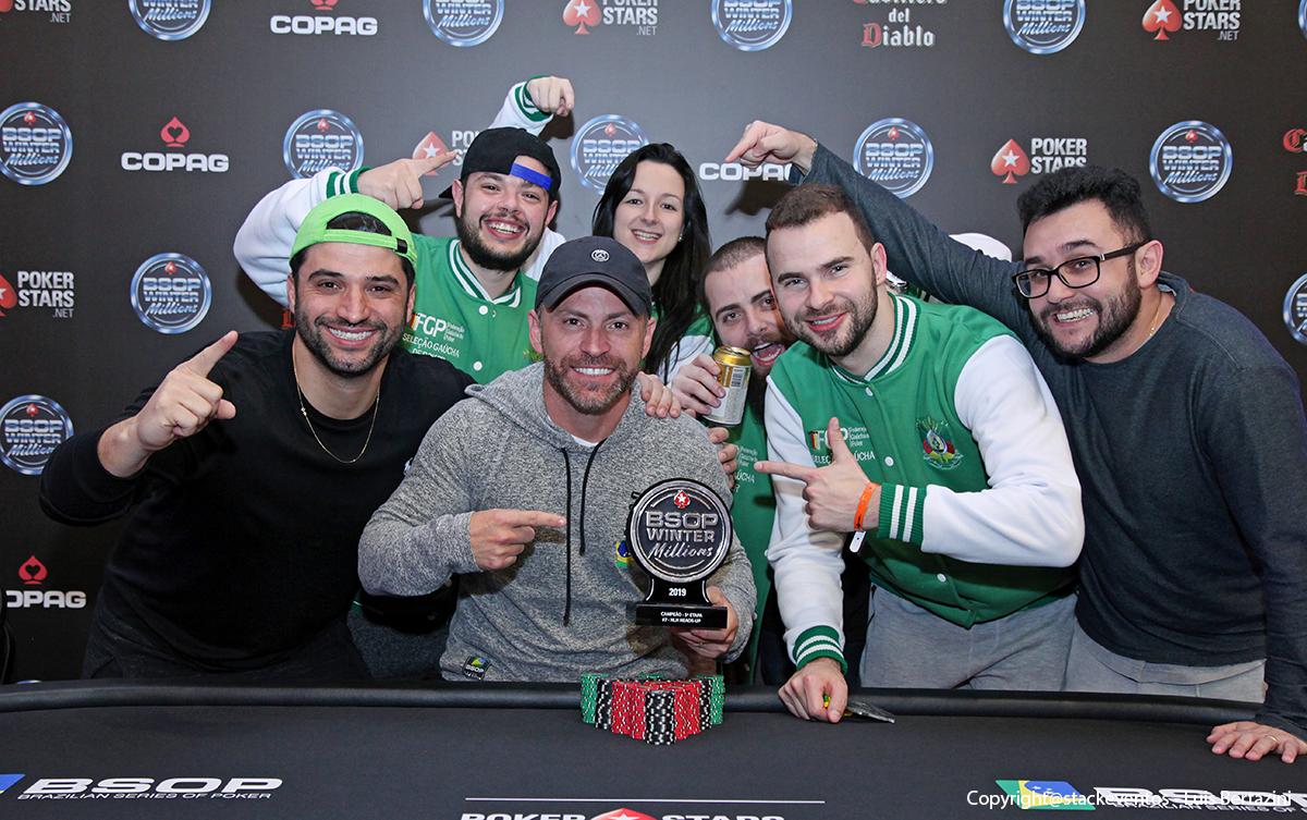 Vinicius Pinheiro campeão do Heads-Up do BSOP Winter Millions
