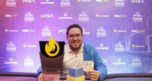 Hugo Leonardo campeão do On Fire do NPS Recife