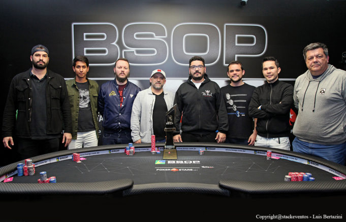 Mesa Final do Main Event do BSOP Gramado