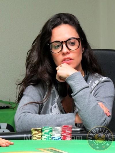 Carol Martins (Foto: Mebeliska)