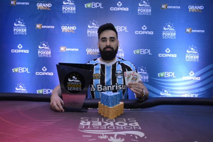Thiago Barreto campeão do 6-handed KO do NPS Grand FInal