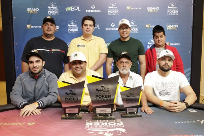 Mesa Final do Main Event do NPS Grand Final