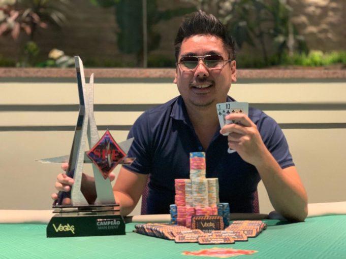 Vitor Gushiken - Vegas Poker Club