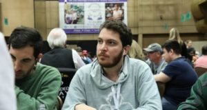 Francisco Correia deixou a disputa do Main Event do WCOOP antes do estouro da bolha
