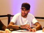 Neymar chegou a se inscrever em evento com a elite do poker mundial