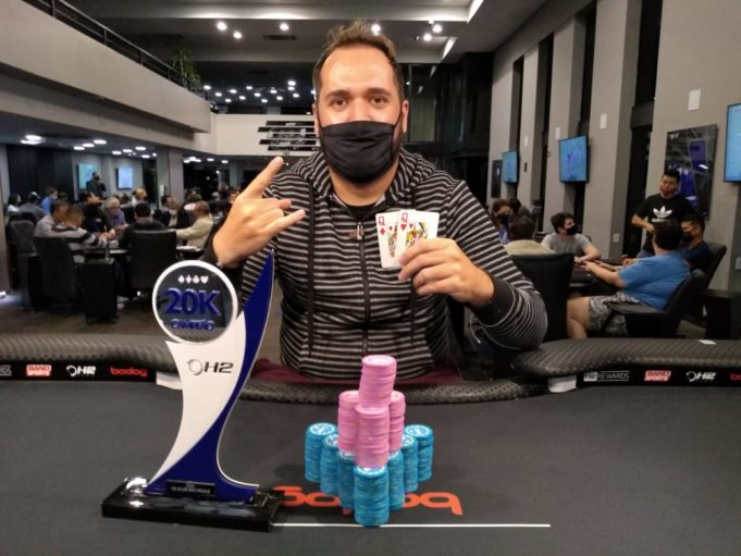 Lukas Bassi foi campeão do Restat do H2 Club São Paulo
