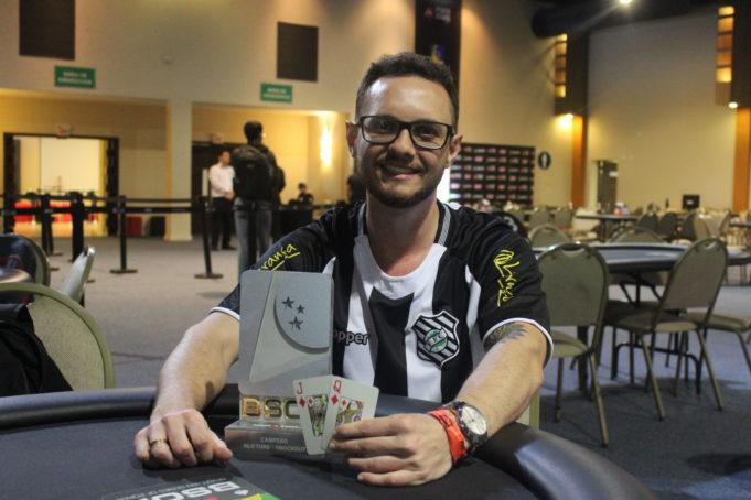 Fellipe Drapichinski ficou perto do título na Bounty Builder Series
