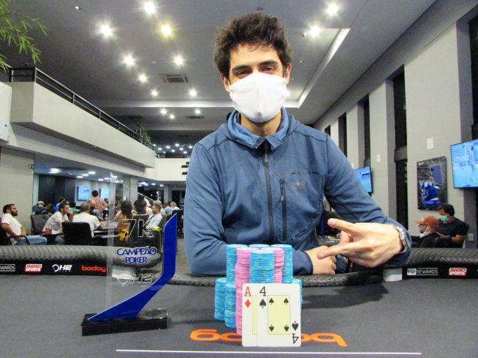 Guilherme Silva foi o campeão do Restart desta sexta-feira no H2 Club São Paulo