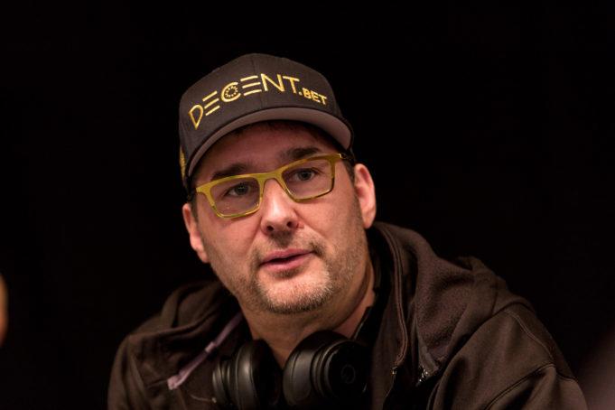 Phil Hellmuth apostou em Daniel Negranu no confronto contra Doug Polk