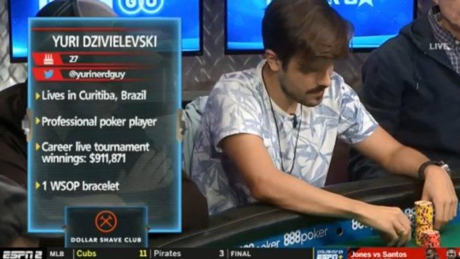 Yuri Martins na mesa da TV no Main Event da WSOP (Imagem: ESPN)