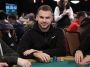 Renan Bruschi está em busca do primeiro bracelete da carreira