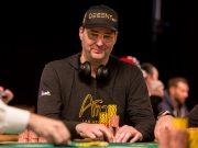 Phil Hellmuth puxou um pote de quase US$ 100 mil