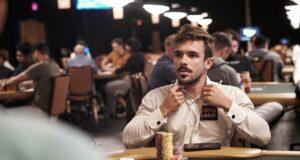 Yuri Martins segue mostrando tudo de Vegas no YouTube (Foto: Gustavo Bô)