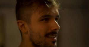 """Yuri Martins fala sobre seu carinho com a música """"Tá Escrito"""" na websérie """"Poker É..."""" (Imagem: Reprodução)"""